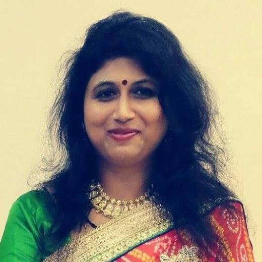 Soumya Mohanta Vilekar is the founder of Audumbar Arts and book author.